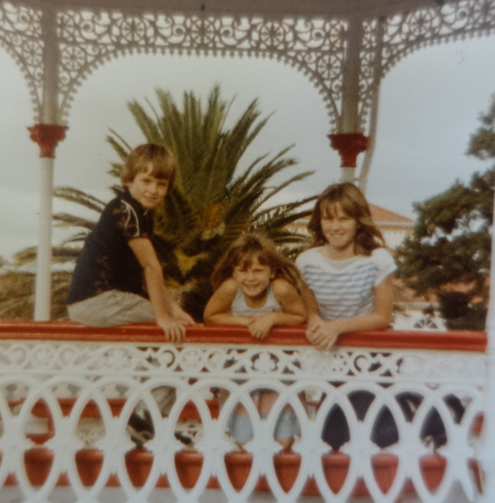 Family holiday in New Zealand 1983